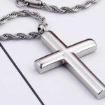 Мужские серебряные крестики: украшение или символ