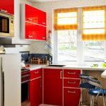 Как правильно расставить мебель в кухне с одним окном
