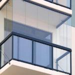 Что нужно учитывать при остеклении балкона